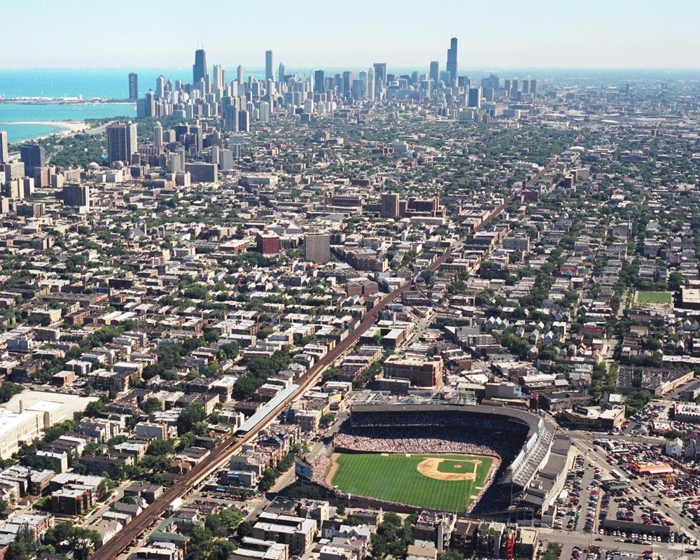Wrigleyville Wrigley Field Amp Chicago Skyline Chicago
