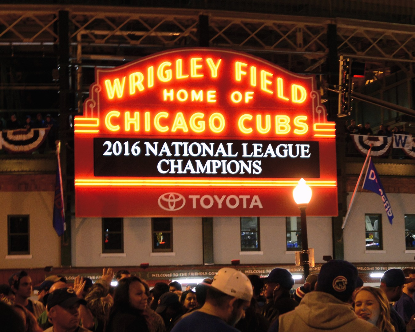 wrigley black singles Chicago cubs single game tickets are available at cubscom game highlights, ticket offers, promotions and more get your cubs tickets today.