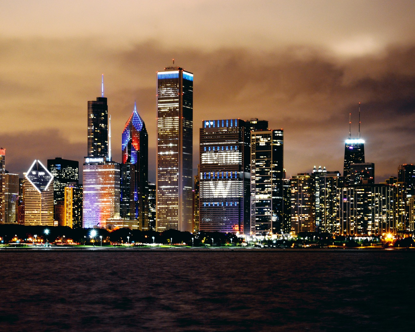 Fly The W - Cubs World Series Chicago Skyline | Chicago Cubs Framed ...