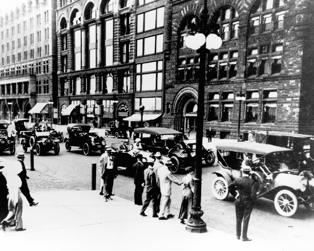 Street Cars And Business People - Vintage Chicago | Chicago History ...