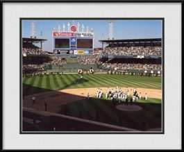 framed-picture-of-last-game-at-comiskey-park
