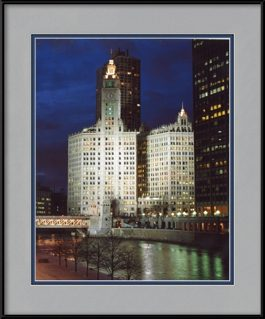 picture-of-wrigley-building-at-night