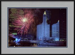 picture-of-fireworks-at-the-wrigley-building