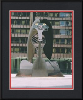 picture-of-blackhawks-helmet-on-picasso-sculpture