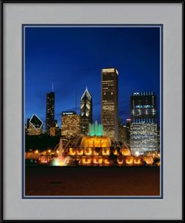 picture-of-buckingham-fountain-during-a-chicago-night