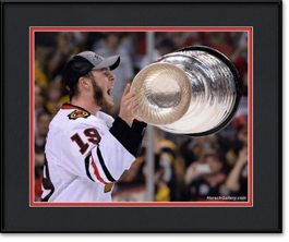 framed-print-of-jonathan-toews-raising-the-stanley-cup