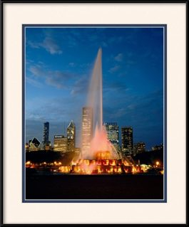 picture-of-chicago-night-scene-at-buckingham-fountain