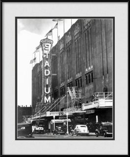 framed-print-of-vintage-chicago-blackhawks-historic-chicago-stadium