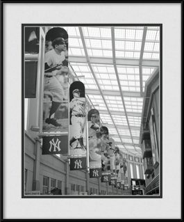 picture-of-yankees-hall-of-fame-banners