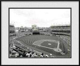 picture-of-new-yankee-stadium-black-white