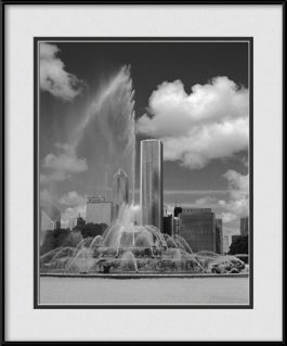 picture-of-buckingham-fountain-during-water-display