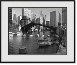 chicago-river-bridges-up-framed-picture