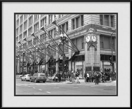 framed-print-of-marshall-fields-street-facade-christmas-2005