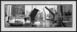 picture-of-chicago-river-bridges-up-black-white