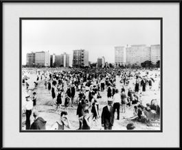 picture-of-old-chicago-photo-bathers-and-businessmen-at-oak-street-beach