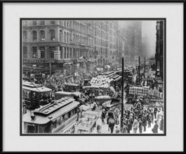 framed-print-of-historic-chicago-traffic-jam-on-randolph-street-in-1909