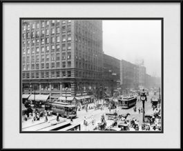 old-chicago-street-cars-framed-photo