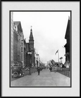 vintage-chicago-art-institute-framed-picture