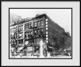 picture-of-historic-chicago-building-on-market-street