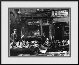 old-chicago-street-market-framed-photo