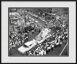 framed-print-of-pilsen-july-4th-parade